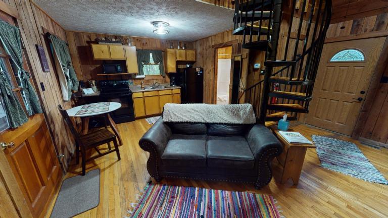 Hocking Hills Cabins Anniversary living area