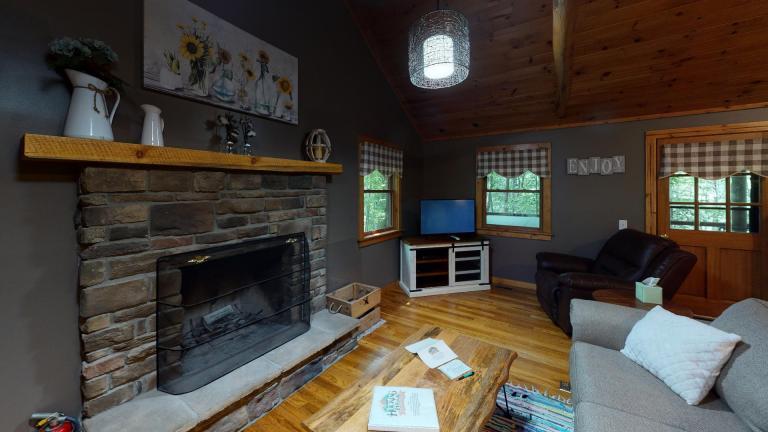Hocking Hills Cabins Nestled Away fireplace