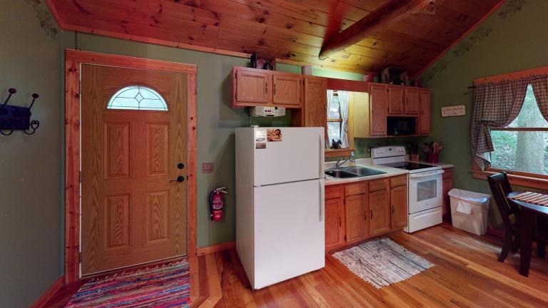 Hocking Hills Cabins Sweet Seclusion Kitchen view