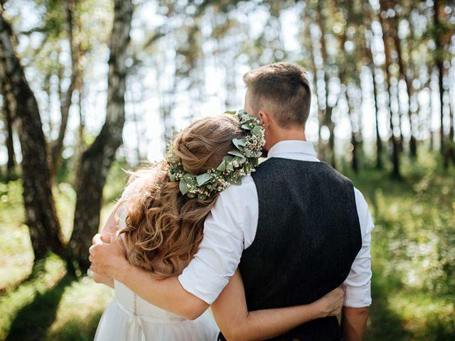 Intimate Wedding in Hocking Hills