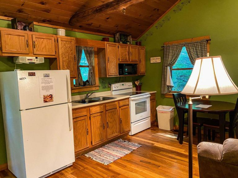 Sweet Seclusion Cabin - Hocking Hills