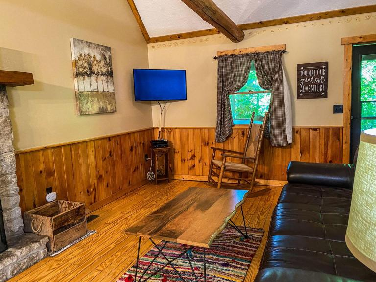 Wildflower Cabin - Hocking Hills